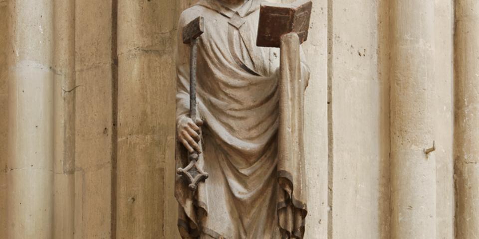 Hl. Petrus mit Tiara, Schlüssel und Buch. © Florian Monheim